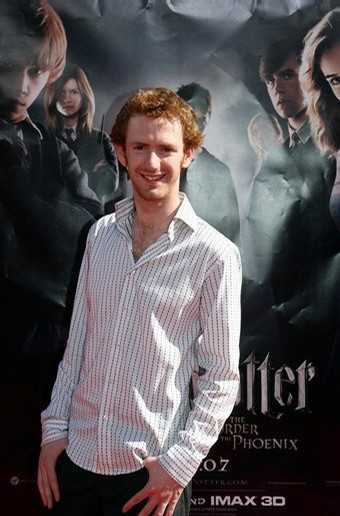 Chris Rankin Regresa como Percy Weasley en 'Harry Potter y las Reliquias de la Muerte'
