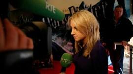 Evanna Lynch y Matthew Lewis Asisten a Premiere de 'El Misterio del Príncipe' en Irlanda