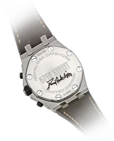 Daniel Radcliffe Dona Reloj Autografiado para Fundación de Caridad de Broadway