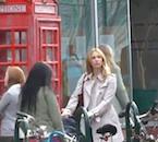 Videoclip: Nuevo Vistazo a Poppy Montgomery como JK Rowling en la Producción 'Strange Magic'