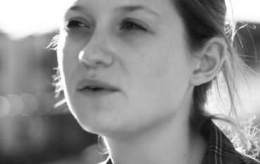 Bonnie Wright Habla de su Proyecto como Guionista y Directora, 'Separate We Come, Separate We Go'