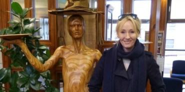 J.K Rowling sorprende a un Club de Lectura en Escocia