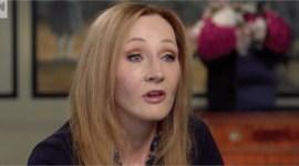 JKR revela su anunciada sorpresa en entrevista de CNN: un nuevo libro en un vestido!