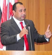 Presidente do PMDB descarta candidatura de Ricardo Murad