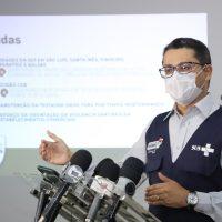 """""""Fizemos o que era considerado por muitas pessoas impossível: abrimos quase 1800 leitos preventivamente para o enfrentamento da primeira onda da pandemia"""", diz Carlos Lula"""