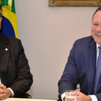 Flávio Dino admite antecipar saída e entregar o comando do estado para Brandão se viabilizar