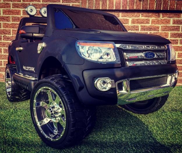 Ford Ranger 12v noir mat