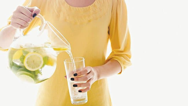 Benefits To Drink Lemon Water In Morning