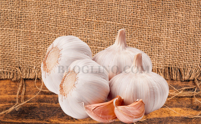 Garlic for Athlete's foot
