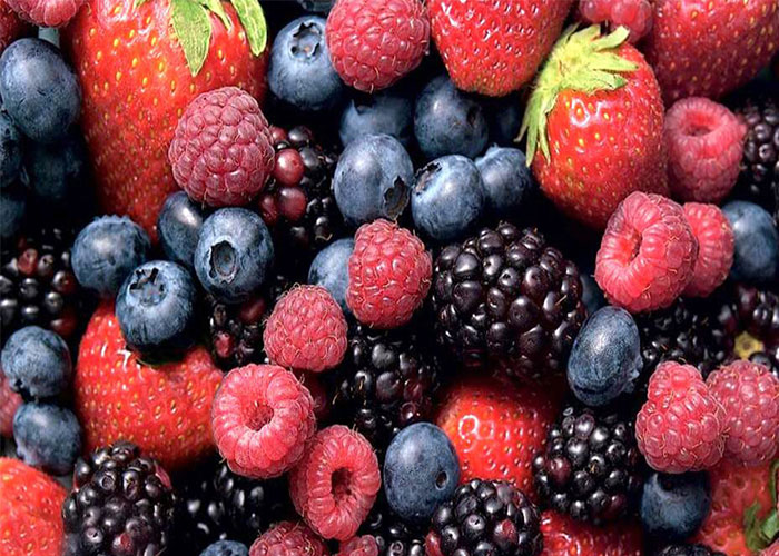 Strawberries and blueberries for Kids