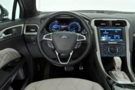 Ford_Mondeo_2015-interior