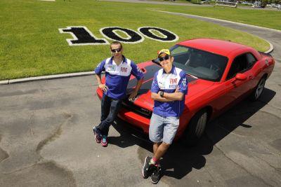 Valentino Rossi e Jorge Lorenzo al volante della Dodge Challenger SRT8