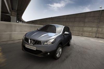 Fiat ferma la produzione - Nissan introduce il terzo turno lavorativo ed assume 400 persone 00
