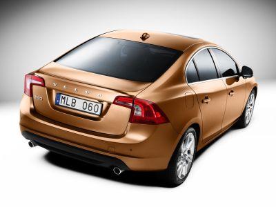 Volvo S60 nel Regno Unito prezzi da £ 23,295