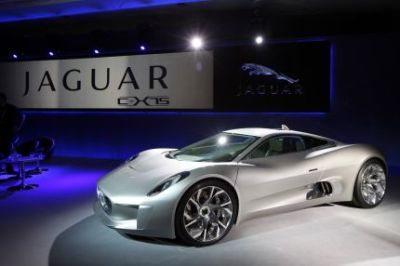Jaguar Italia approda su Facebook, Twitter, Flickr e Youtube