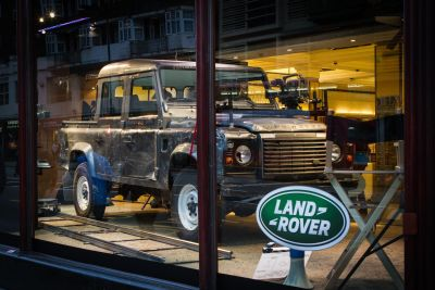 Skyfall: Land Rover Defender 110 Double Cab Pick Up  tra i protagonisti