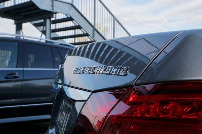 Abbiamo testato la Mercedes Classe E BlueTEC Hybrid all'Autodromo di Modena. Ecco come va. BlogMotori.com 1