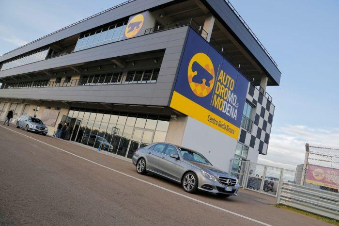 Abbiamo testato la Mercedes Classe E BlueTEC Hybrid all'Autodromo di Modena. Ecco come va. BlogMotori.com 6