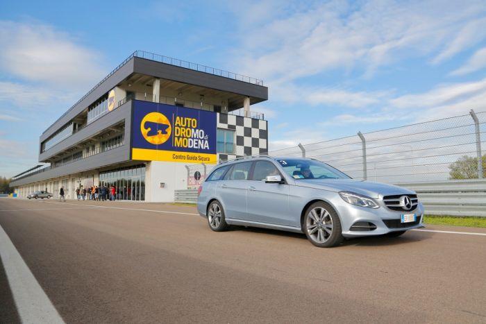 Abbiamo testato la Mercedes Classe E BlueTEC Hybrid all'Autodromo di Modena. Ecco come va. BlogMotori.com 8