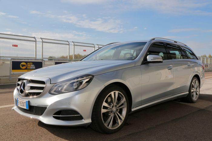 Abbiamo testato la Mercedes Classe E BlueTEC Hybrid all'Autodromo di Modena. Ecco come va. BlogMotori.com