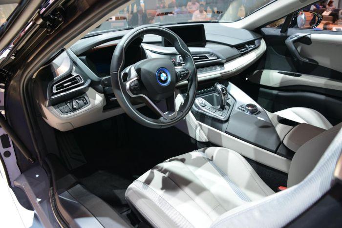 A giugno le consegne di BMW i8, supercar con consumi da utilitaria 10