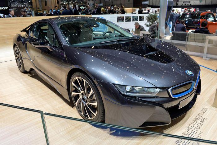 A giugno le consegne di BMW i8, supercar con consumi da utilitaria 4