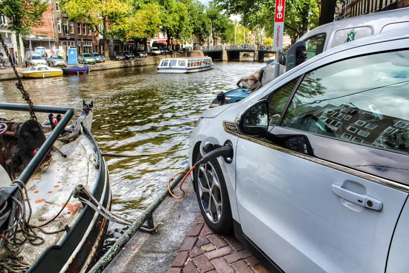 Herengracht, Amsterdam 2014 - Think global, charge local  - The Dutch do it better
