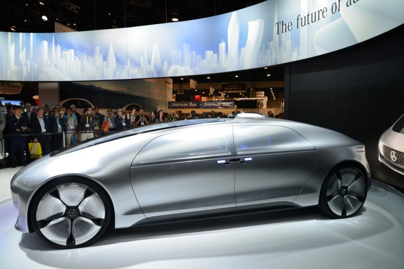 Mercedes-Benz F 015 Luxury in Motion 7