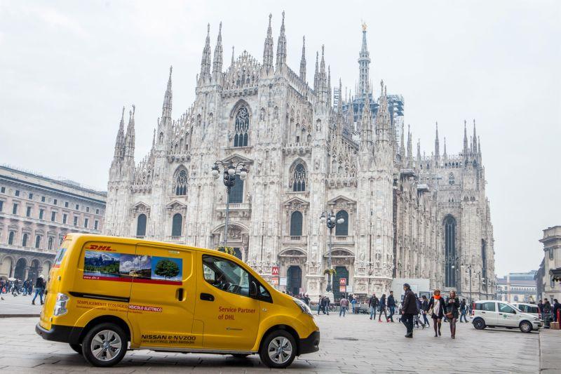 Nissan e DHL Express aprono la strada della mobilità commerciale a emissioni zero