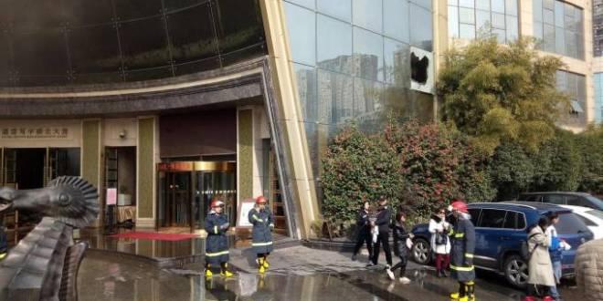 Incendio hotel di lusso in Cina