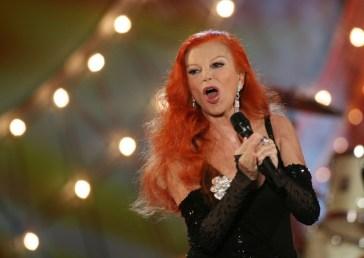 Gaffe di Sky Tg24, Milva scambiata per le imitazioni di Vladimir Luxuria ed Eva Grimaldi a Tale e quale show