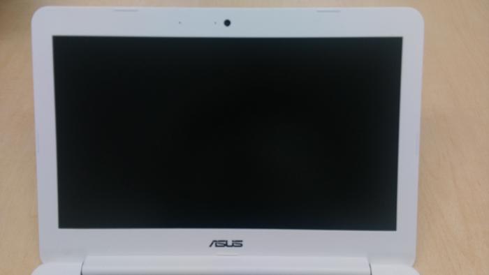 ASUS C300MAは数秒で起動(動画で紹介)