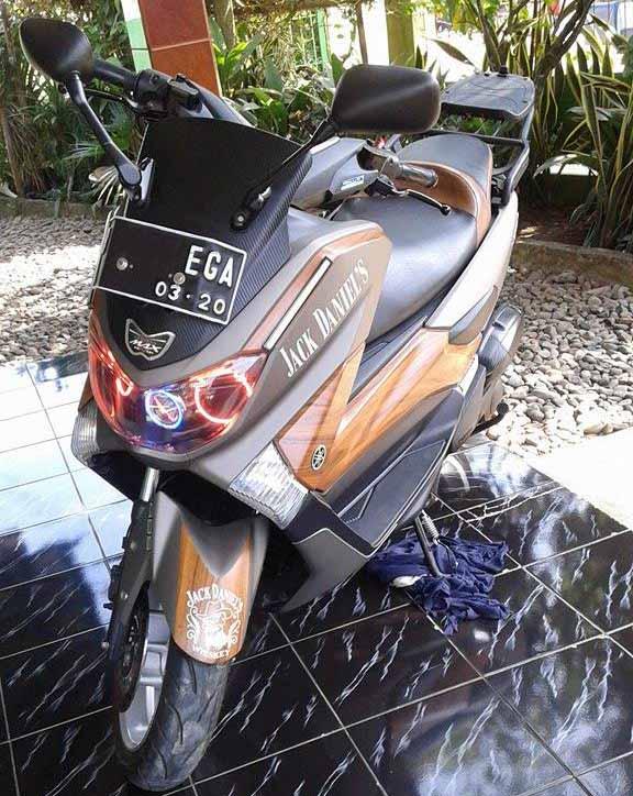 Modifikasi Yamaha NMax Jack