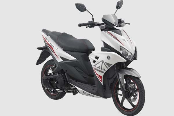 Pilihan Warna Yamaha Aerox 125 LC warna Putih