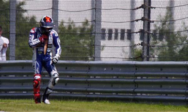 Jorge Lorenzo crash