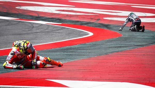 Lorenzo ditabrak Iannone