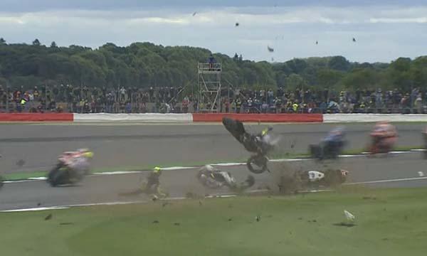 Crash Loriz Baz dan Pol Espargaro