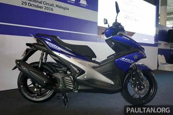 Yamaha Aerox 155 dari samping