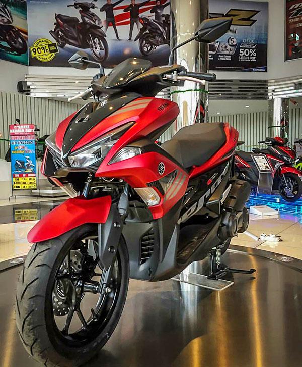 Yamaha Aerox 155 Merah di Dealer