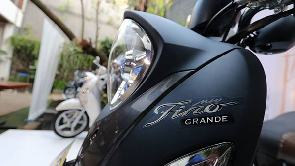 Fino Grande dengan headlamp LED