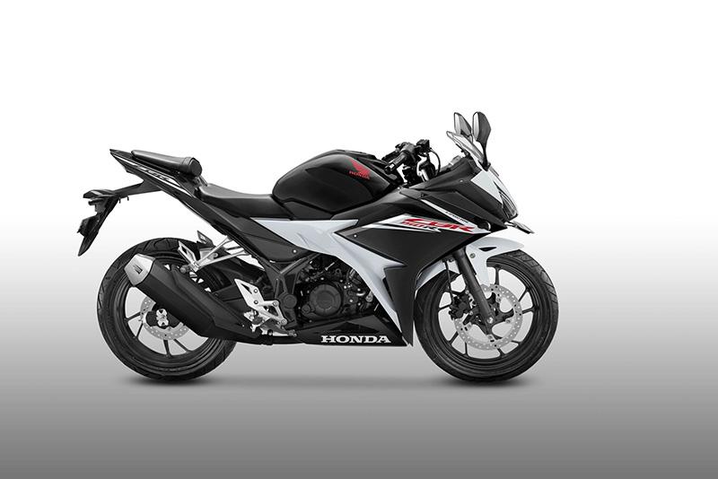 Honda CBR150R 2017 Angle Hero Putih