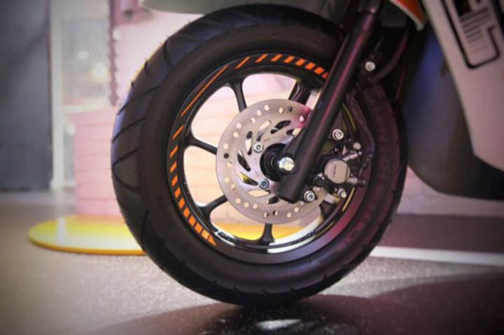 Aksesoris Wheel Sticker All New Scoopy Harga 58 ribu