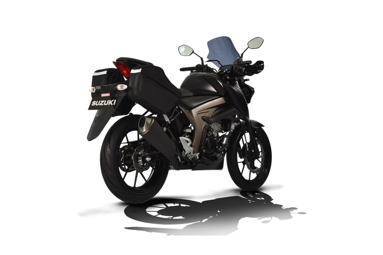 Suzuki GSX-S150 Touring Edition warna Black Matt