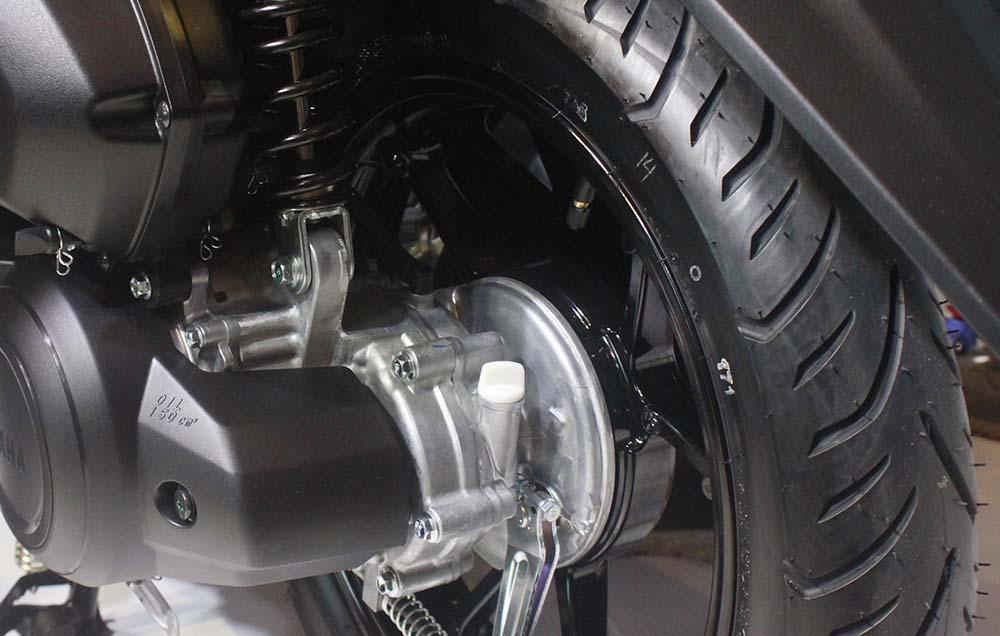 Ban dan Velg Belakang Yamaha Lexi