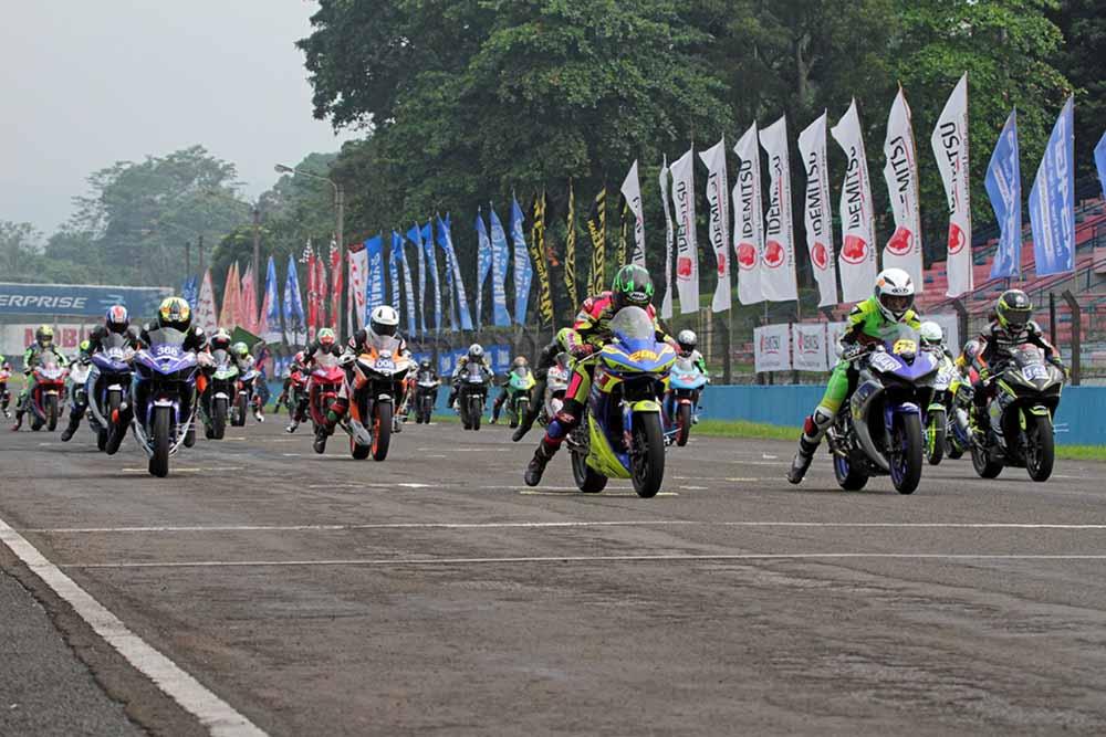 Kelas baru Yamaha Sunday Race 2018 R25 Comm B Beginner
