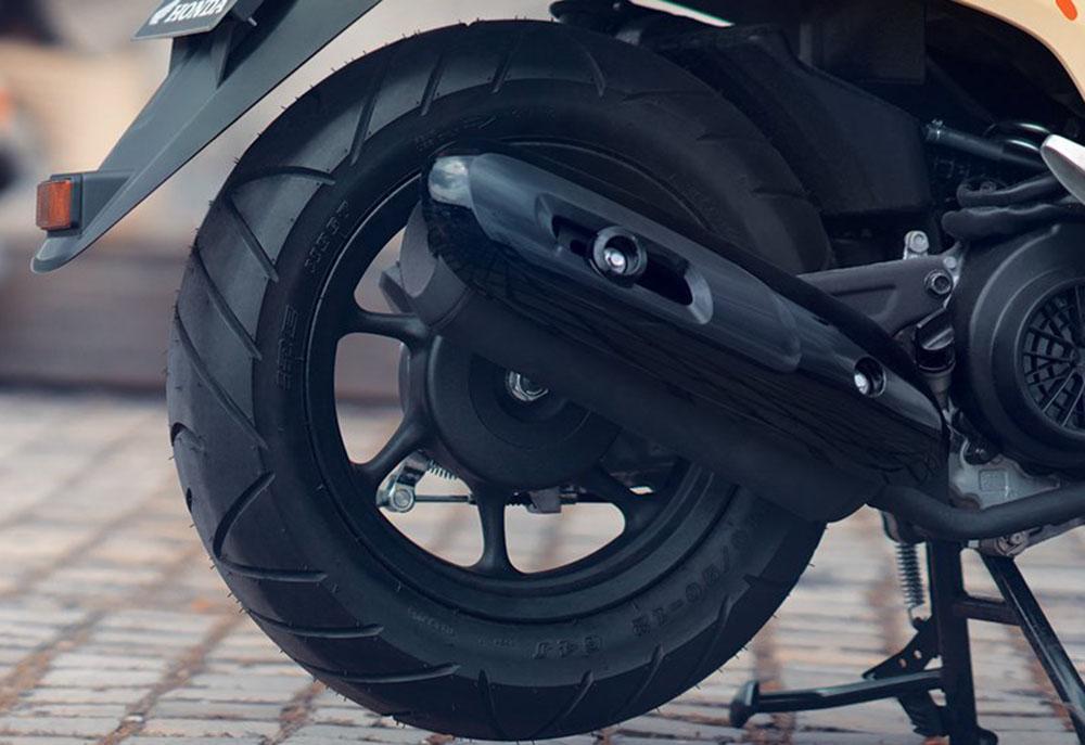 Ukuran Ban dan Velg belakang Honda Scoopy
