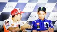 Jabat tangan Marquez di tolak Rossi