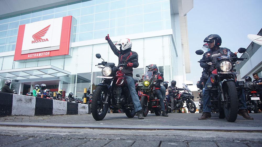 Acara touring start dari Astra Motor Center Yogyakarta