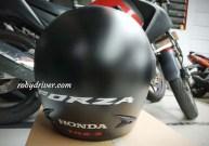 Helm bawaan Honda Forza 250 biasa saja