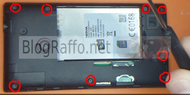 Nokia Lumia 520 Display Rotto - viti